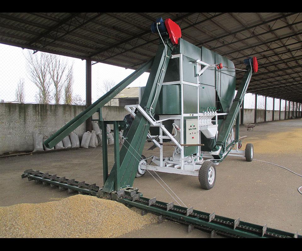 Самоходни зърнопочистващи комплекси